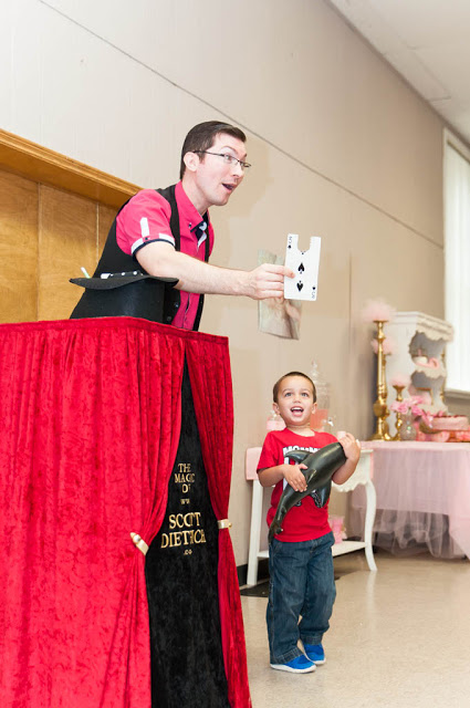 Voted Best Children's Party Magician in Vaughan, ON