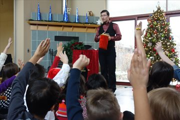 Toronto Magician for your Christmas Party Entertainment Everyone Can Agree On